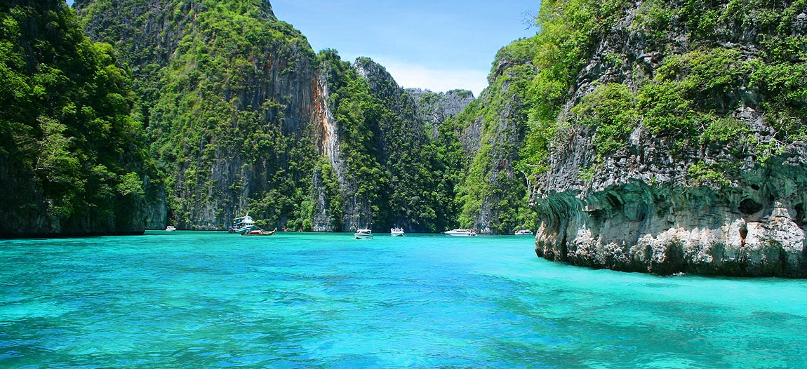 2-phi-phi-island-tour-luxury-boat-charter-thailand